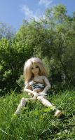 Ayla in the plains of Belgium by beedoll
