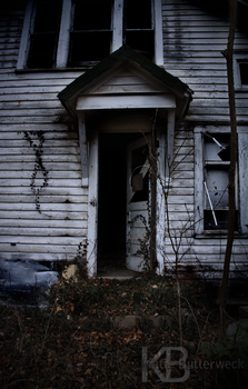 Open the Door to an Old House by suki-KITTI-L0VE