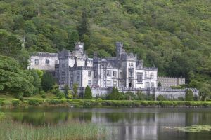 Kylemore Abbey by EidanNoon