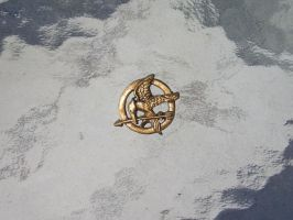 Mockingjay pin by AnimeGeer