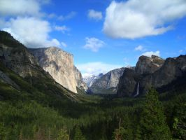 Yosemite by dwarfeater