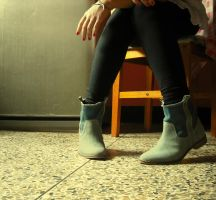 New boots ID by WatterMelon