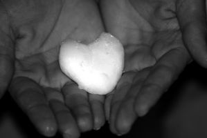 snow heart by nicelandscape
