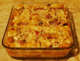 Baked Rigatoni with Spicy Meat Sauce by Kitteh-Pawz
