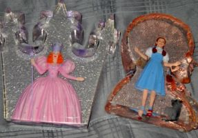 Dorothy and Glinda Glass Statues by TheWizardofOzzy