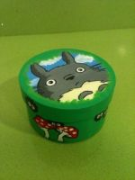 Totoro wooden box by anapeig