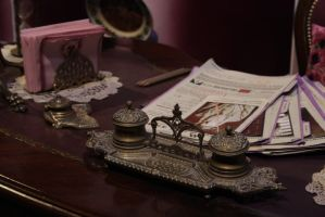 Umbridge's Desk by RosingsPark
