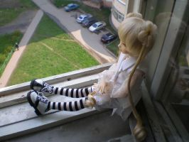 Natalie on the windowsill by Saturn86