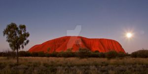 Uluru By Moonlight by ribbonworm