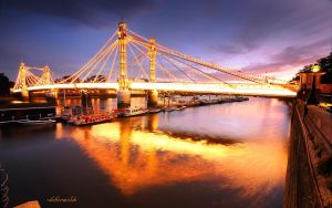 Albert Bridge by hotonpictures