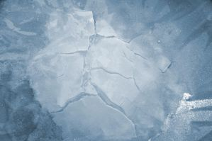 Ice cracks n.1 by ElNaso