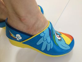 My Little Pony Custom Painted Rainbow Dash Shoes by larakoplin