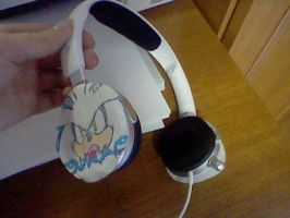 My Headphones....with my drawing! Level 1-ODM by Silver-chan2000