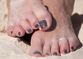 Rica's Sandy Toes in Dark Brown 3 by Feetatjoes