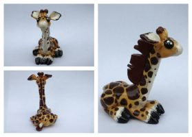 Giraffe Sculpture by blondbug