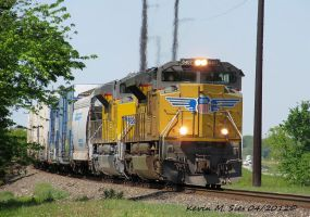 UP 8407 and UP 8764 lead CSXT Q687 18 by EternalFlame1891