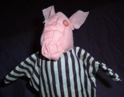 Jail Pig by puppetry