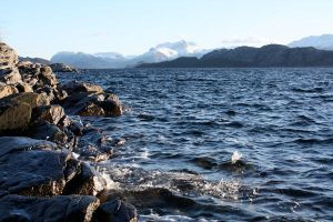 Mountains and sea by Odafn