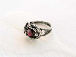 Garnet ring by UrsulaOT