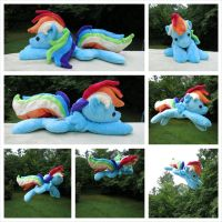 (FLYING!) Rainbow Dash Beanie by equinepalette