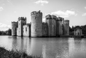 Bodiam Castle by rrreese