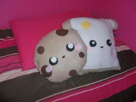 Cookie and Toast Plush by kikums
