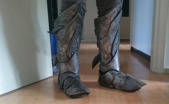 Skyrim Daedric WIP, Boots fully done! by talkenia