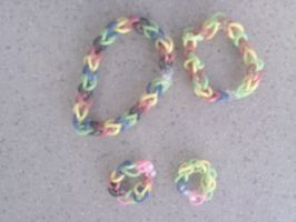 Loom band Bracelets and Rings another view by liongirl2289