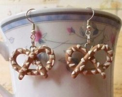 Pretzel Earrings by Cuddlebugeeshi