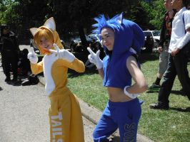Sonic and tails  cosplayers - Anime North by DragonFly188