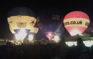 Bristol Balloon Festival Saturday Night Glow 2012 by UncleGargy