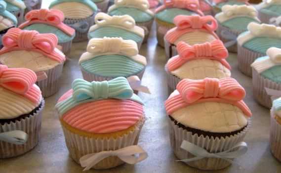 cupcakes blue, pink and white by anafuji