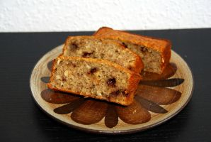 Banana bread with chocolate chips by baerin