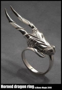 Horned Dragon Ring by Dans-Magic