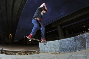 Front180 nosegrind 2 by eddiethink