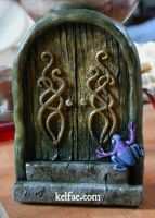 Froggy Door by myceliae