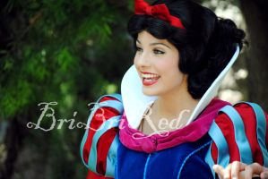 Princess Snow White by BriBriRed
