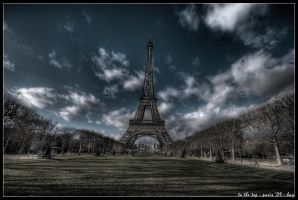 paris - to the top by haq