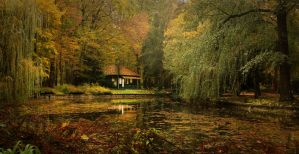 Where autumn never ends... by CromarK
