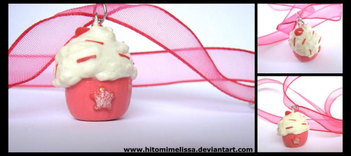 pink cupcake by HitomiMelissa