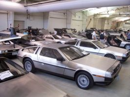 DeLoreans everywhere by Raggletag