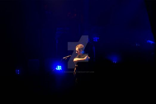 Tom Smith from The Editors by phoebsbuffay