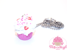 Strawberry Cupcake Necklace by Metterschlingel