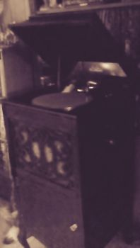 My Old Victrola-2 by FlapperFoxy