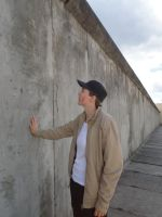 This wall cannot separate us forever by Laoness