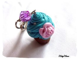Bubble Gum Cupcake Keychain by Cateaclysmic