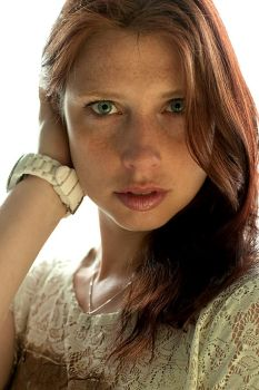 Yvette (daylight and reflector) by camabs